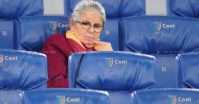 Ora riposa in pace accanto a suo marito, ultimo testimone di un calcio che non esiste più…